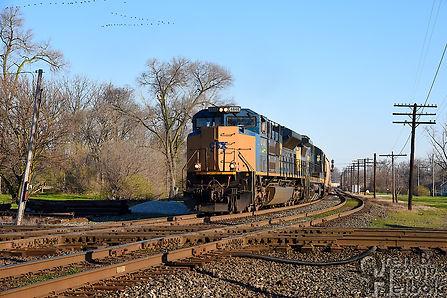 Iron Triangle, Fostoria, Ohio, B&O-N&W CSX-NS diamonds, southbound CSX frack sand train, Oren B. Helbok photo