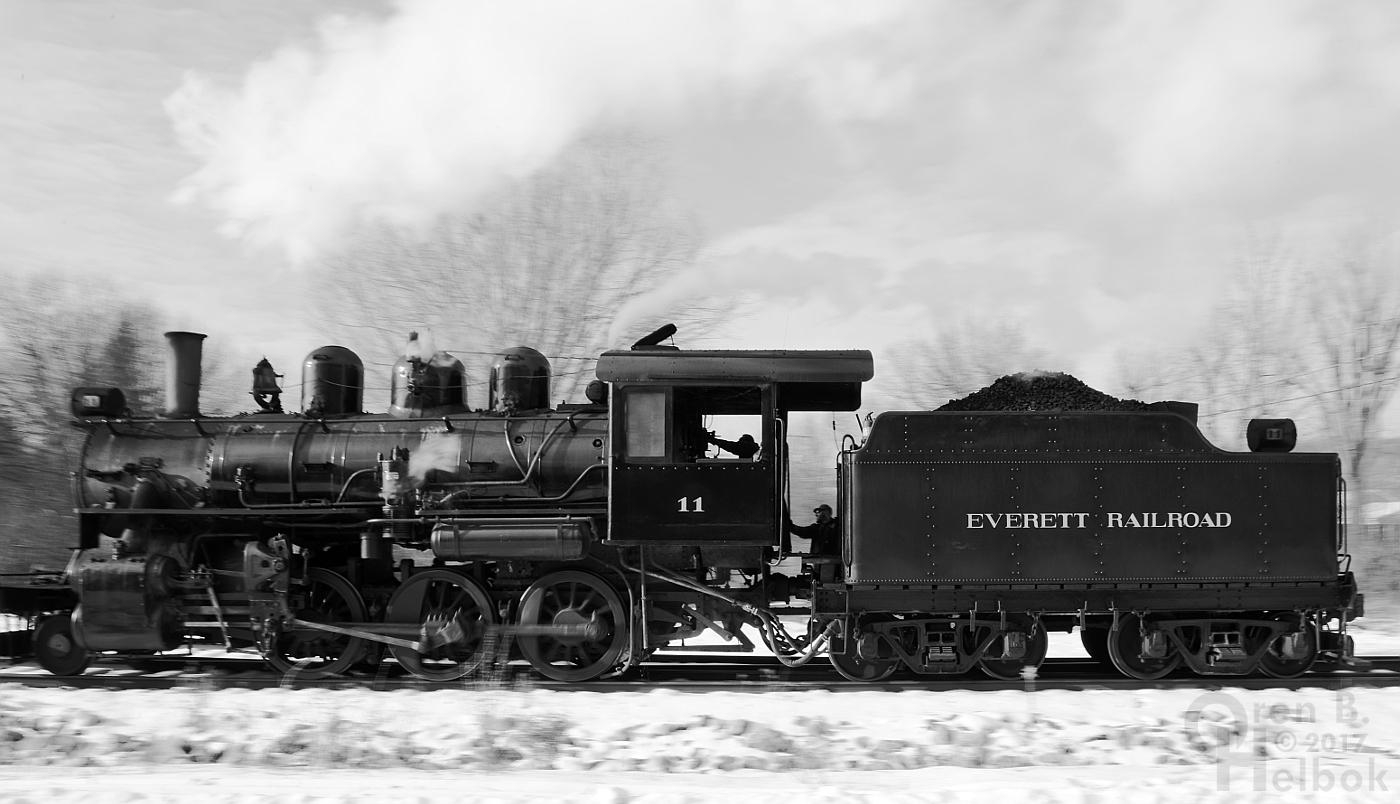 2017-12-16 Everett #11 2pm train runaround at Brookes Mills 2 232pm small