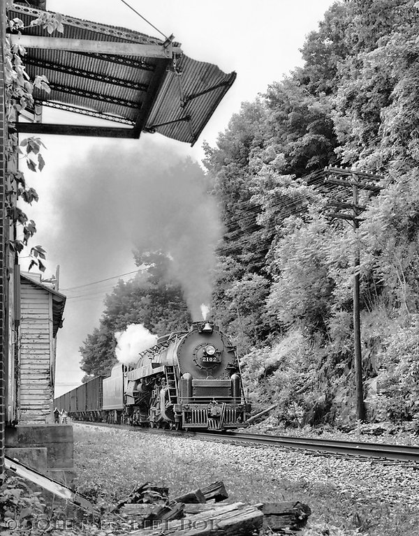 Reading 2102 at West Leesport, June 1991,John E. Helbok photo