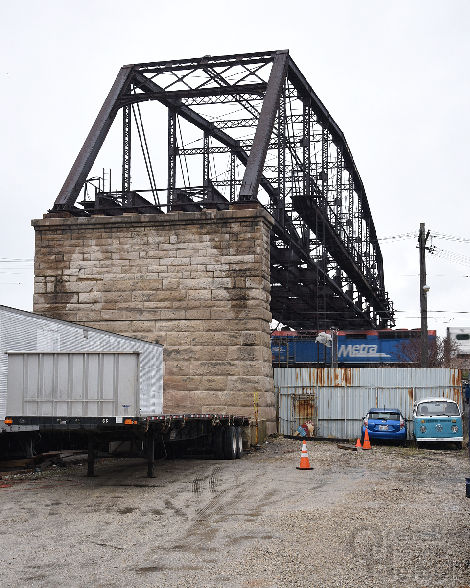 Former CTA truss bridge east of A-2