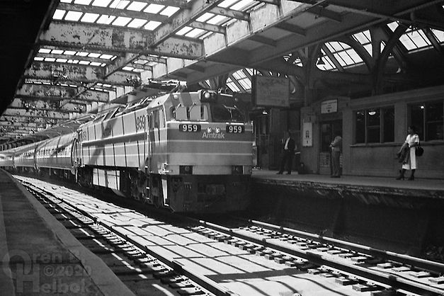 Amtrak E60 959 westbound, Newark Penn Station, 1977, Oren B. Helbok photo