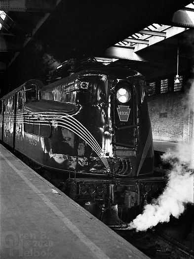 Amtrak ex-Pennsylvania Railroad GG1 4935, Newark Penn Station, 1977, Oren B. Helbok photo