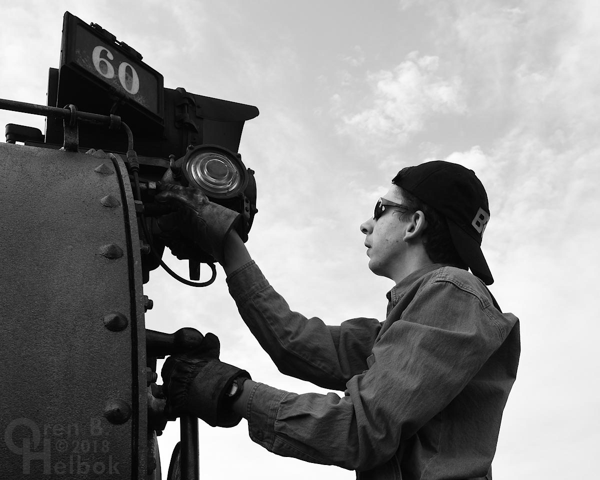Nick Nastasi adjusting class light