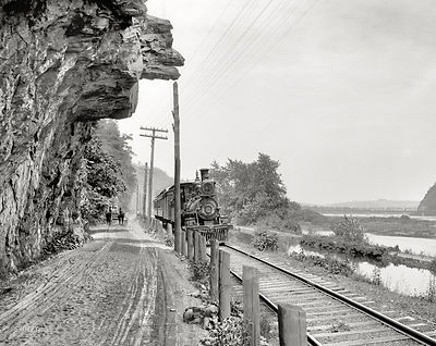 Catawissa Narrows circa 1901, Indian Head, Hanging Rock, Lackawanna Railroad train