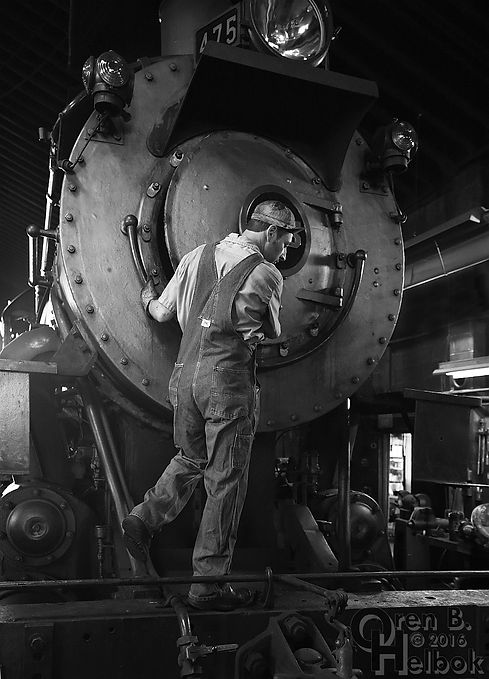 Strasburg Rail Road mechanic Dave Lotfi and #475 in enginehouse