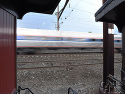 Late-running Amtrak 670 at Leaman Place