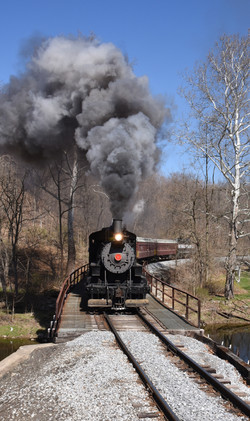 Juniata bridge noon train 5