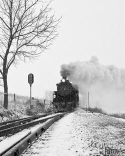 Train 1 approaching Groffs Grove