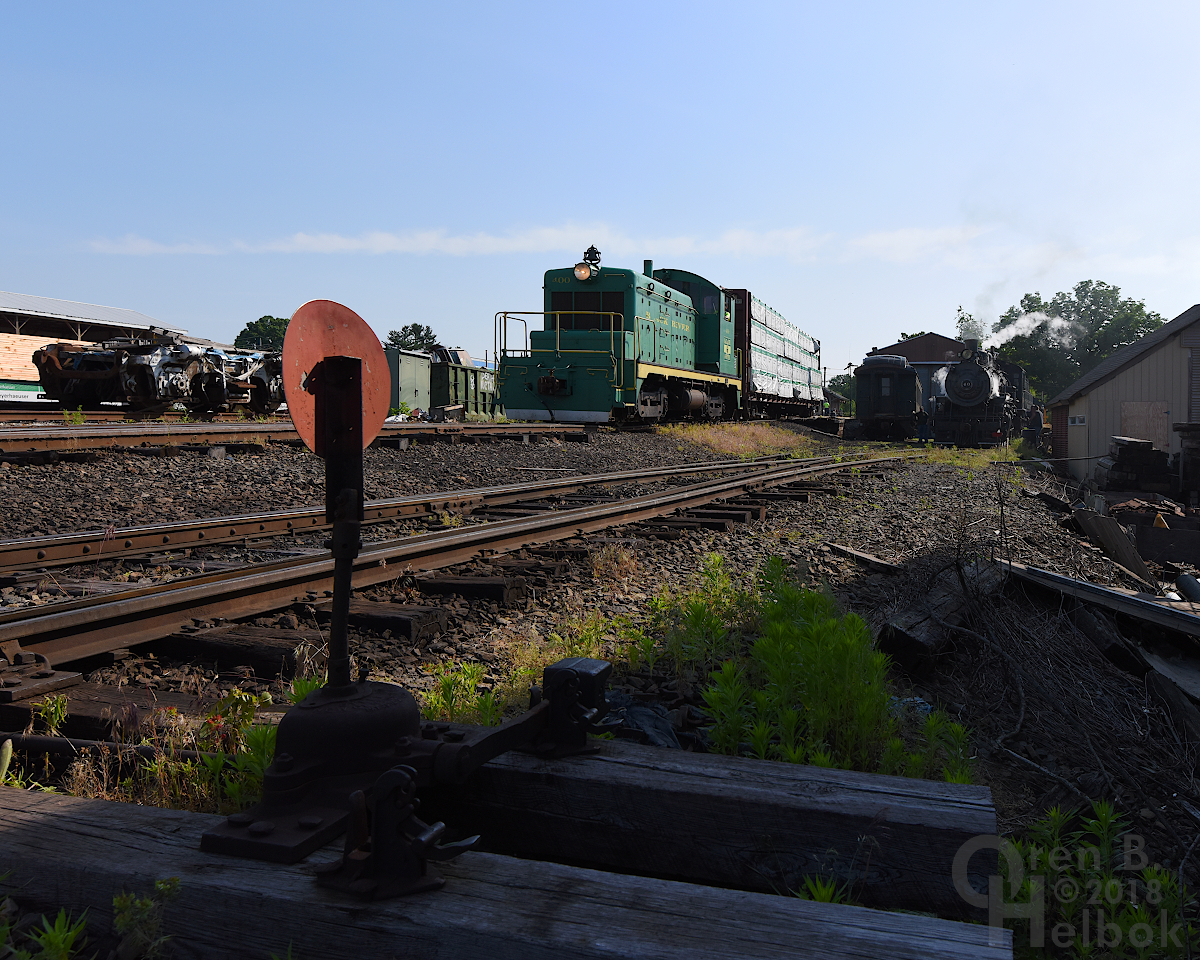 400 arrives with freight car