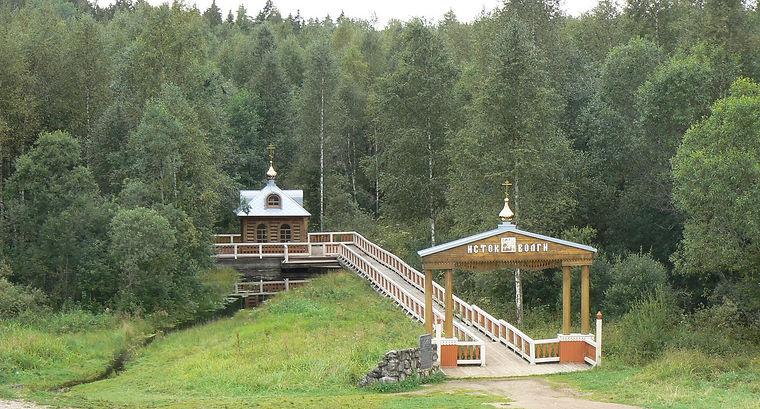 Наша Волга-Матушка, самая большая река в Европе, «рождением» своим обязана роднику-ключу у деревни Волговерховье в Тверской области.