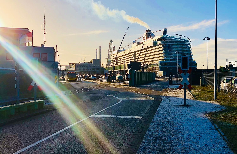 Mein Schiff 2 in Bremerhaven
