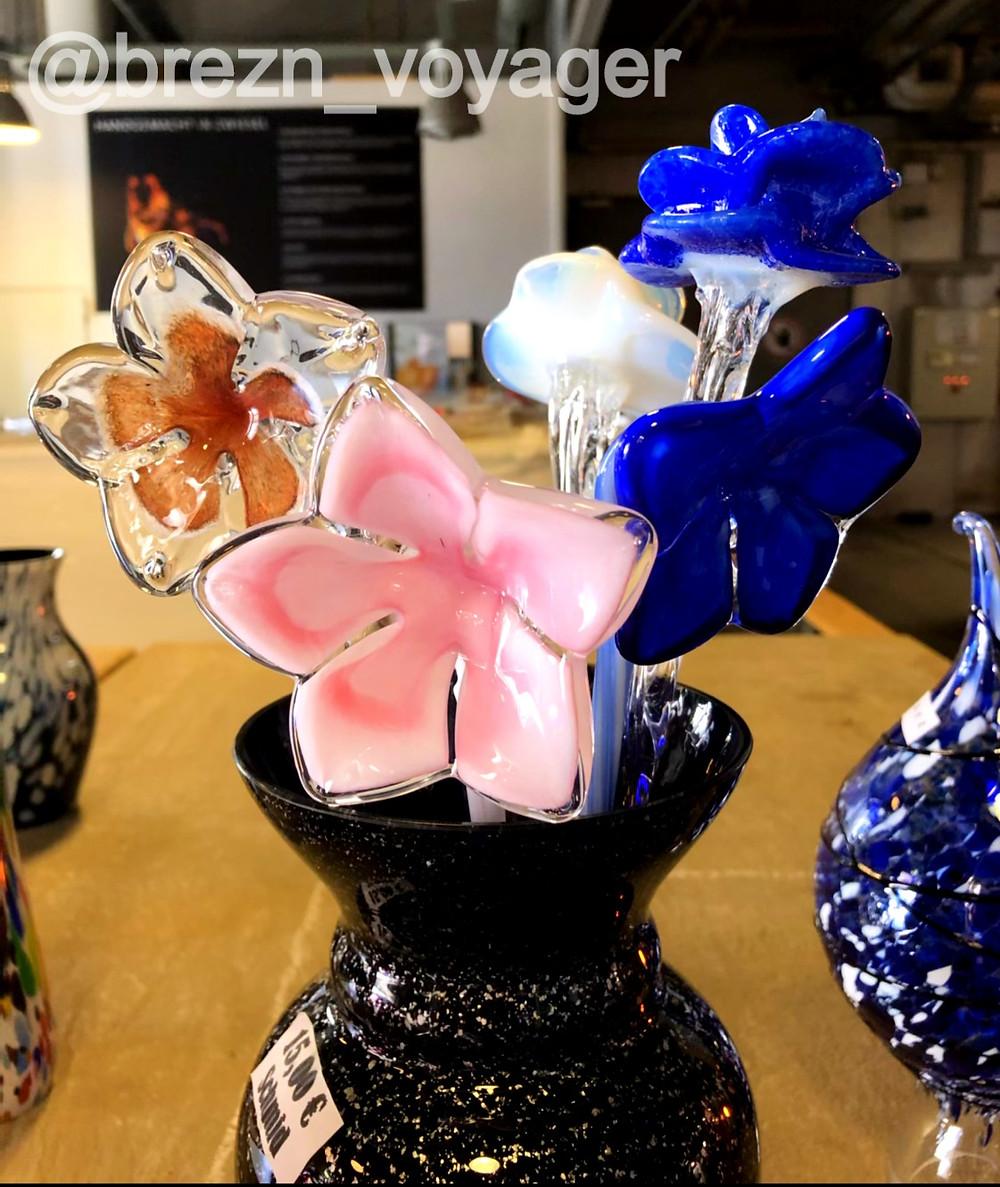 Die handgefertigten Kunstwerken kann man direkt vor Ort kaufen.