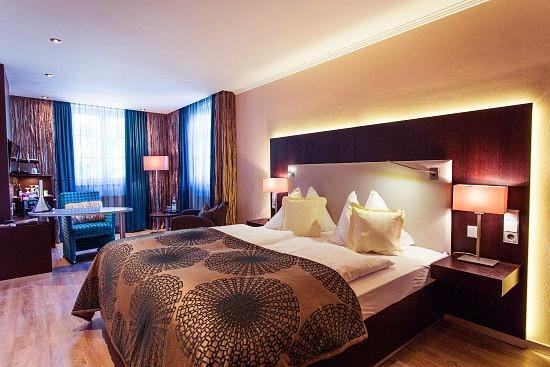 Mit Blick auf die Donau und Veste Oberhaus. Romantisch, liebevoll und detailreich eingerichtet.