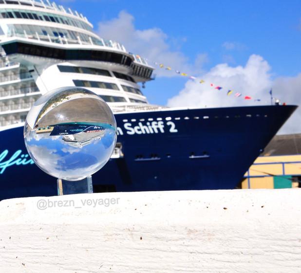 Mein Schiff 2 im Hafen Barbados