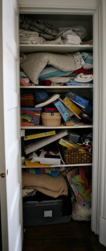 morespace-linen closet
