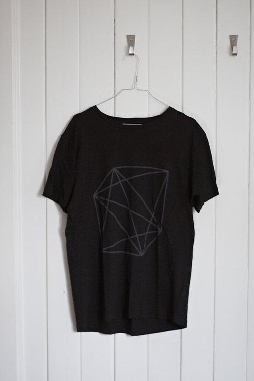 black prism man shirt