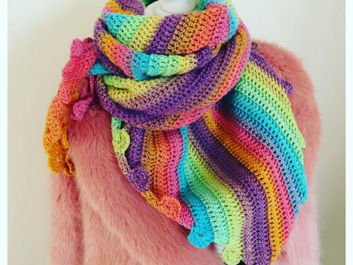 Haakpatroon shawl Fleur handmade by juf Sas