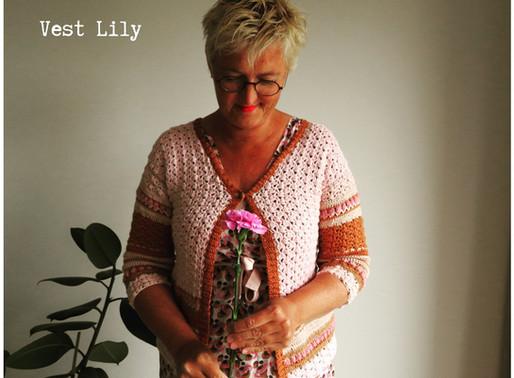 Vest Lily handmade by juf Sas met gratis haakpatroon