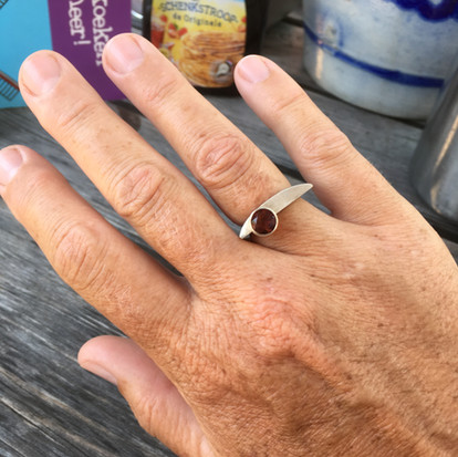 Ik heb hem gevonden, dé ring ontworpen door Liliane Winkels