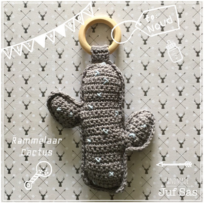 Rammelaar Cactus handmade by juf Sas met gratis haakpatroon
