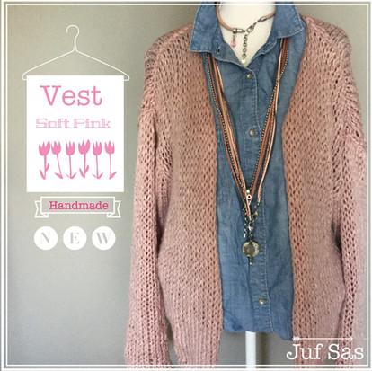 Vest Soft Pink handmade by juf Sas met gratis patroon