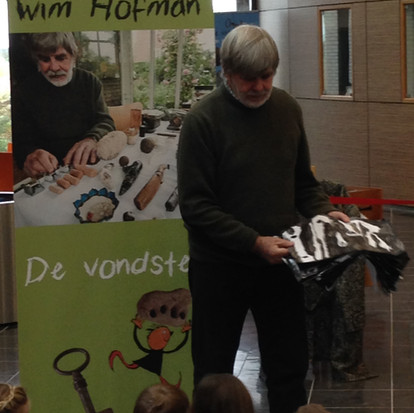 Opening Pop-up museum 'De vondsten' door Wim Hofman
