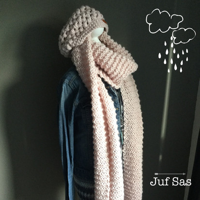 XXL shawl handmade by juf Sas met gratis breipatroon