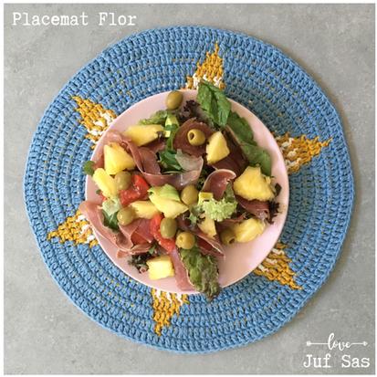 Placemat Flor deel 2 handmade by juf Sas met gratis haakpatroon