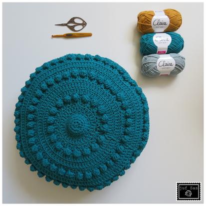 Kussen Zeeuwse knop (groot) handmade by juf Sas met gratis haakpatroon