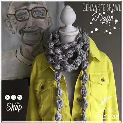 Shawl 'Dotje' handmade by juf Sas met gratis haakpatroon
