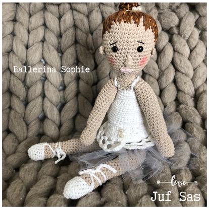 Ballerina Sophie handmade by juf Sas met gratis haakpatroon