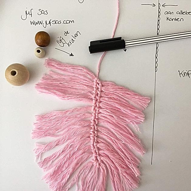 Gehaakte Veer Handmade By Juf Sas Met Gratis Patroon Creatief