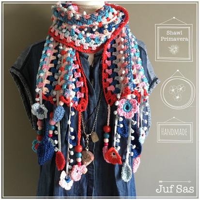 Shawl Primavera handmade by juf Sas met gratis patroon