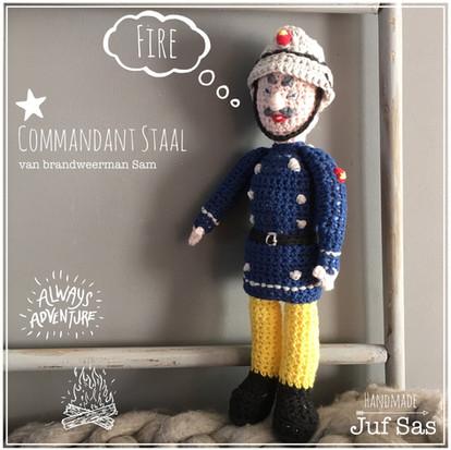 Commandant Staal handmade byjuf Sas met gratis patroon