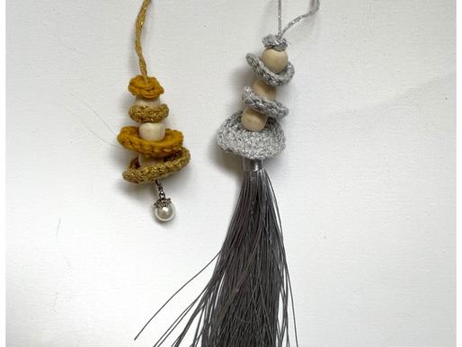 Kersthanger met kralen en tassel handmade by juf Sas met gratis haakpatroon