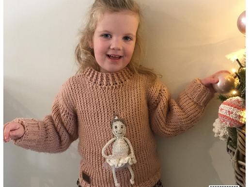 Trui Ballerina handmade by juf Sas met gratis haakpatroon