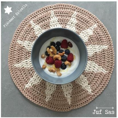 Placemat Estrella deel 2 handmade by juf Sas met gratis haakpatroon