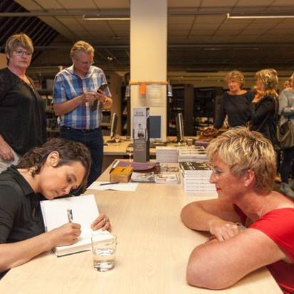 Ontmoeting met schrijfster Griet Op de Beeck in Bibliotheek Goes