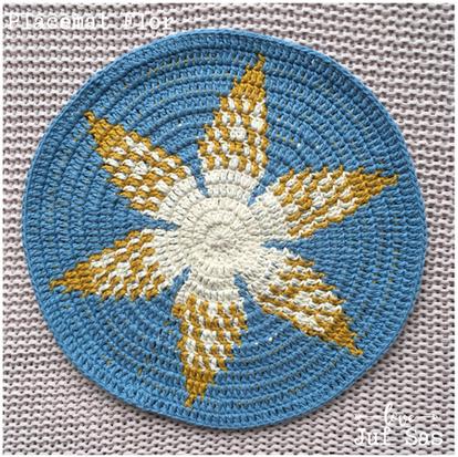 Placemat Flor handmade by juf Sas met gratis haakpatroon