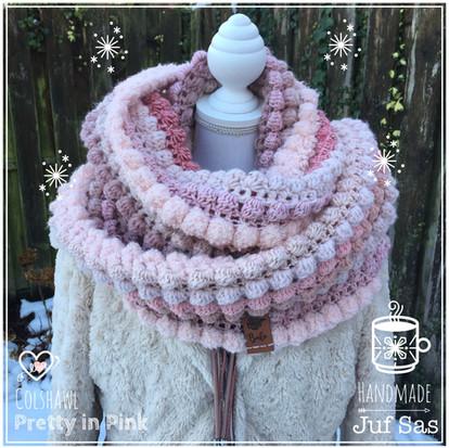 Colshawl Pretty in Pink handmade by juf Sas met gratis patroon