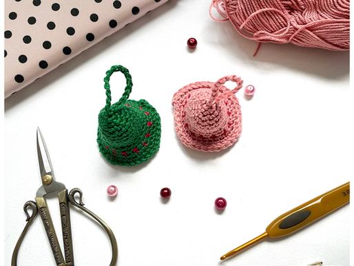 Kerstklokje handmade by juf Sas met gratis haakpatroon