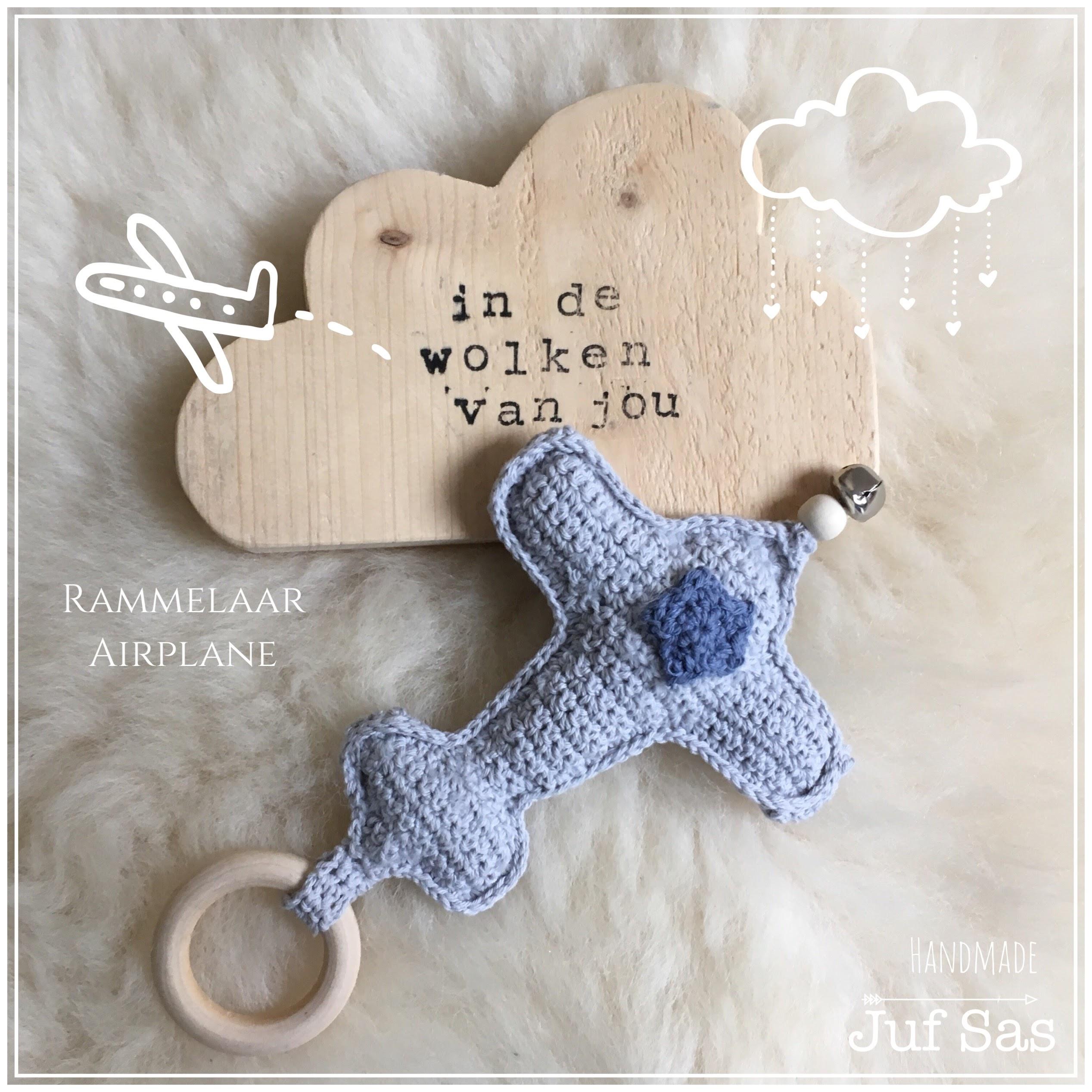 Gehaakte Rammelaar Airplane Handmade By Juf Sas Met Gratis Patroon