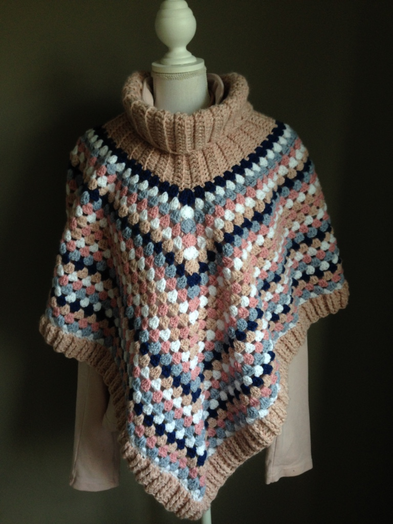 Poncho Met Kol In Roze En Blauwtinten Handmade By Juf Sas Met Gratis