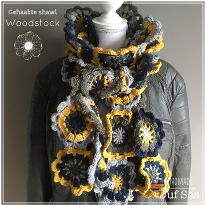 Shawl Woodstock handmade by juf Sas met gratis patroon