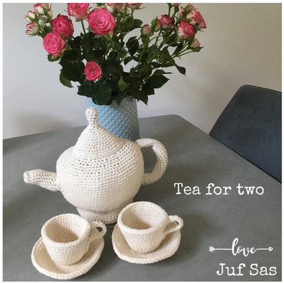 Tea for two, theepot handmade by juf Sas met gratis patroon