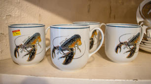 Lobster Mugs with Navy Rim so/4