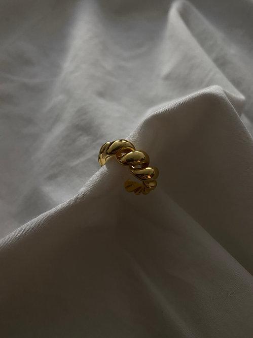 Anisa Ring