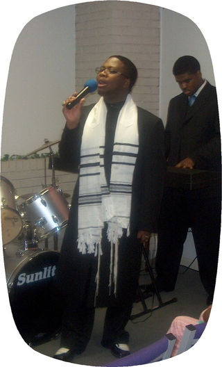 Apostle in Min - blkprayershawl