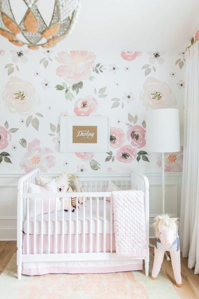 Little Girl's Nursery Wallpaper