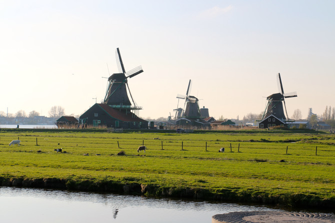 Holland - Windmills & Clogs